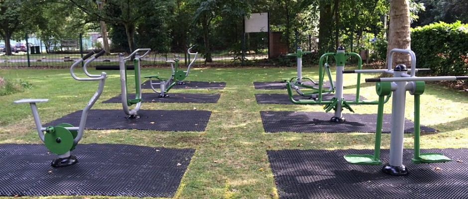 Groundplay Limited successfully installed this all-new outdoor gym fitness facility in Little Heath, Berkshire.